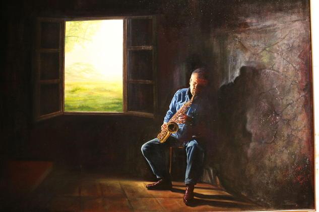 Tocando el saxofón cerca de la ventana. Pedro Baos