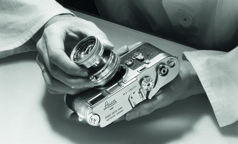 Lisel Springmann_Detalle del proceso de construcción de la cámara Leica_I c) Leica camera AG, Wetzlar