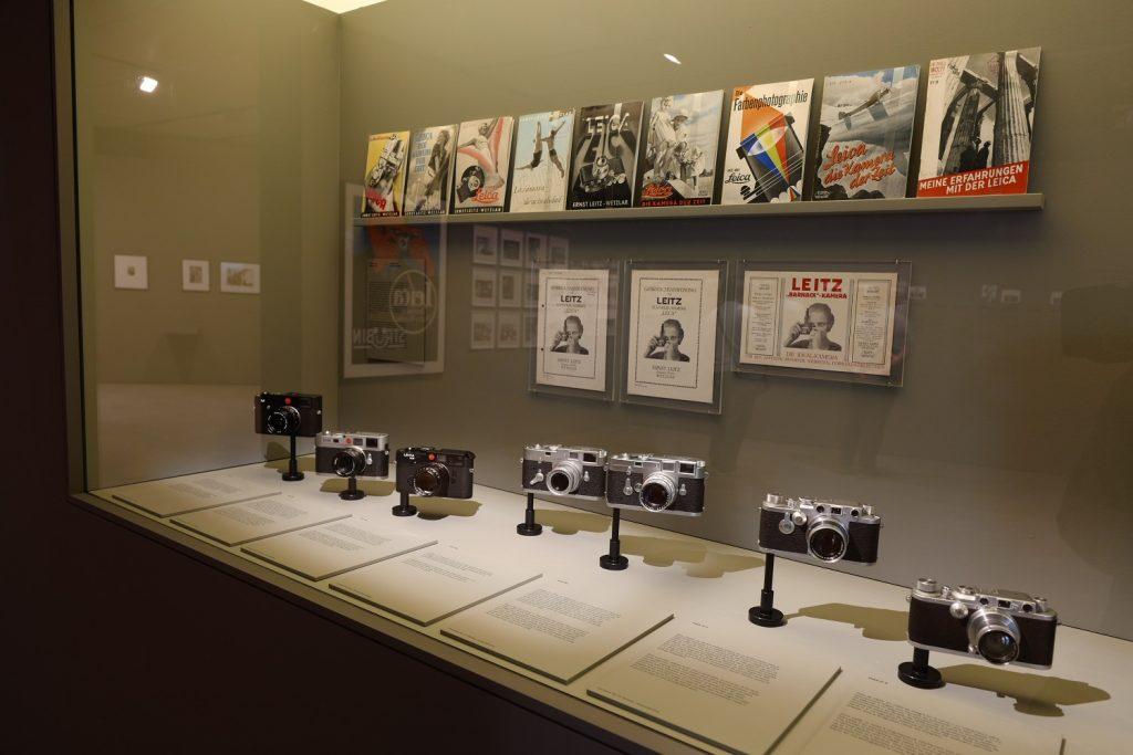 Con los ojos bien abiertos. Cien años de fotografía Leica en la Fundación Telefónica