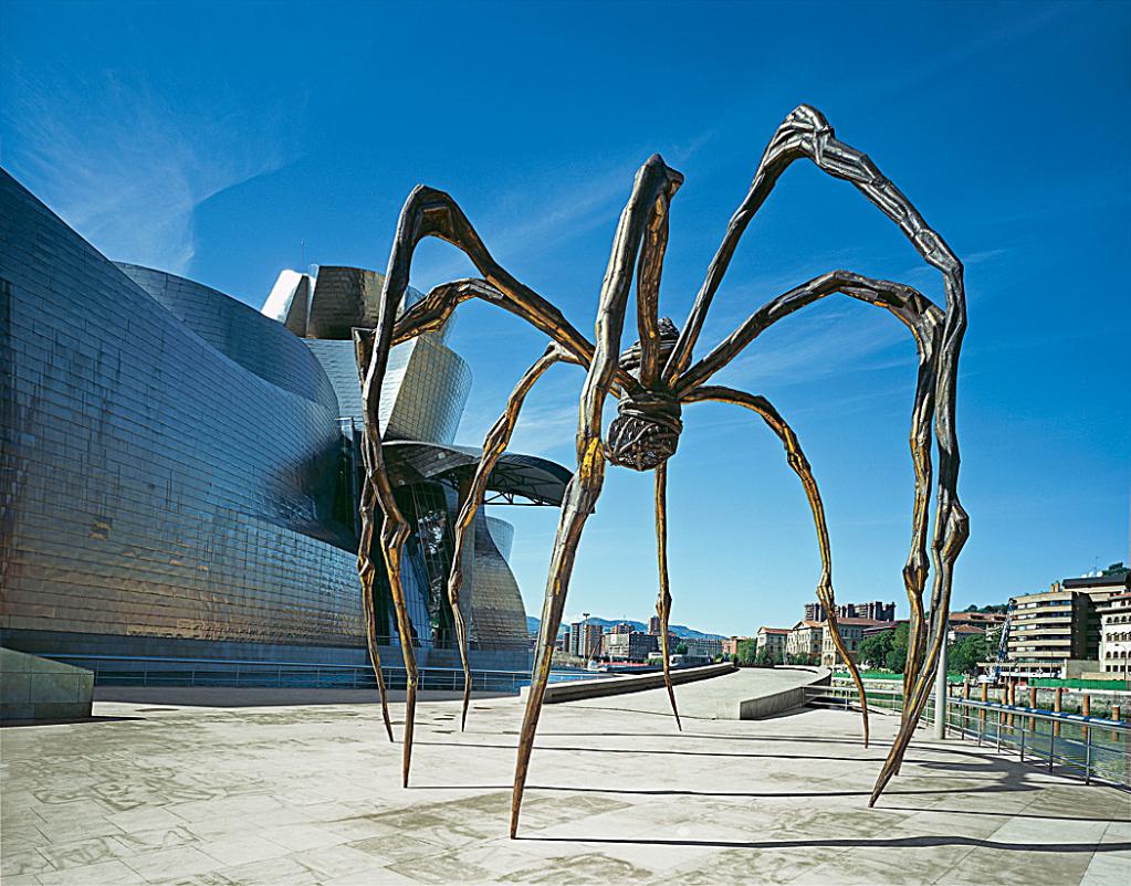 La excentricidad (o genialidad) de la escultora Louise Bourgeois