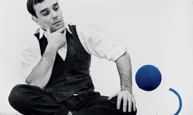 Yves Klein, el artista azul que quiso levitar