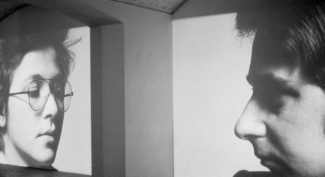 Clara and Dario, 1975. Proyección continua de imágenes con narración sincronizada de audio. Vista de la instalación, Studio Marconi, Milán.
